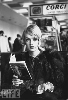 Twiggy- Those eyes go right through you.