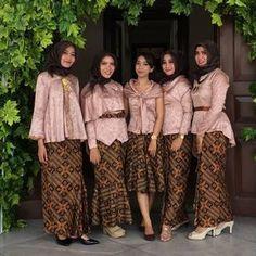Model Kebaya Modern Rok Batik Prada Atasan Coklat Polos Sewing In