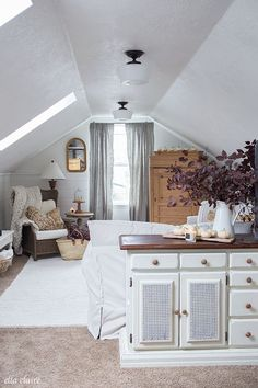 Farmhouse Fall Family Room with Warm golds, plum branches, white pumpkins and candle light. 49 Magical Interior European Style Ideas To Update Your Room – Farmhouse Fall Family Room with Warm golds, plum branches, white pumpkins and candle light. Bonus Room Design, Family Room Design, Cozy Family Rooms, Family Room Decorating, Attic Rooms, Attic Spaces, Attic Playroom, Upstairs Bedroom, Bonus Room Bedroom