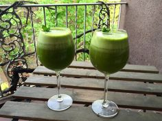 Immune-Boosting Green Juice- Made with clean, organic, bioavailable ingredients. #vegan #rawfoods #smoothies #cleaneating #glutenfree