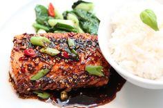 Soyamarinert laks med spinatsalat og ris Good Food, Yummy Food, Fodmap Diet, Salmon Burgers, Nom Nom, Seafood, Steak, Dinner Recipes, Pork
