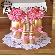Cups&Cakes: Batizado Rosa, dourado e branco Shower Party, Bridal Shower, Baby Shower, Floral Centerpieces, Floral Arrangements, Kate Spade Party, Bottles And Jars, Bottle Crafts, Holidays And Events