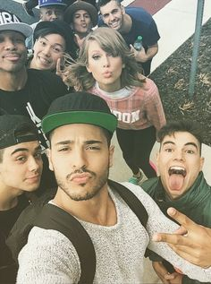 Taylor and her 1989 tour dancers