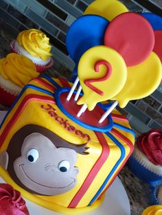 But use cake pops instead as the baloons Curious George Cakes, Curious George Party, Curious George Birthday, Third Birthday, 2nd Birthday Parties, Baby Birthday, Birthday Celebration, Birthday Ideas, Happy Party