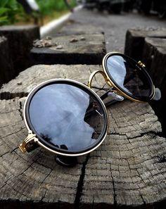 5f7c85e7bbe Round New Fashion glasses Men Women Trend Sunglasses Frog mirror UV  Protection coating Sun Glasses Eyewear goggles Accessories