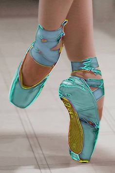 Images For > Colorful Pointe Shoes Ballet Shades Of Turquoise, Bleu Turquoise, Aqua Blue, Shades Of Blue, Pointe Shoes, Ballet Shoes, Color Menta, Ballet Images, Color Turquesa