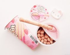 Imagem de food, pink, and hello kitty