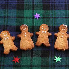 【ジンジャーマンクッキー】のレシピ動画。工夫が詰まったおいしいレシピをわかりやすい動画でご紹介。レシピへのコメントも閲覧できます。クリスマスの食卓を彩るメニューをぜひお役立てください。