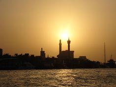 Dubaiban a lakáskeresés komoly adminisztratív ügyintézéssel jár: http://nincsbajdubaj.hu/mi-kell-uj-otthonunkhoz-dubaiban/