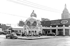 American 1940s Petrol Station (Tulsa)