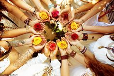 En masa, las mujeres se están moviendo fuera de los espacios religiosos y en más personales y simplificados espirituales. Estamos reclamando nuestro poder personal y re-priorizando las voces de nuestra intuición femenina . unidad de la mujeres en el mundo .- love . GYPSY SOUL BERAFOOT- SISTER FLOWERS -<3