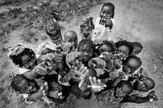 by Chiara Lana - Reportage Guinea Bissau Vegas Style, A Moment In Time, Happy Kids, Photojournalism, People Around The World, Artsy Fartsy, My Images, Cute Babies, Art Photography