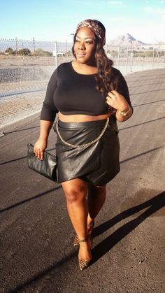 www.bigbonedstyle.blogspot.com #plussize #croptopsforplussize #blackcroptop #croptopsforbigtops #psfashion #psstyle #plussizeblogger #psblogger #blogger #bigbonestyle #plussizefashion #plussizestyle #biggirls
