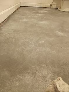 painted vinyl to look like concrete floors - I think I found what to do to revamp the kids bathroom on a dime