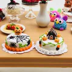 Dollhouse Miniature Halloween Spider Cake Dessert In Box 2.5cm US Seller