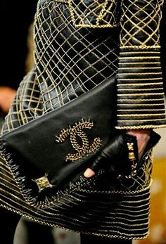 Chanel accessories in black l accesorios de Chanel en negro
