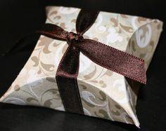Senzilles de fer capsetes per als regals.