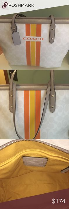 🎄Coach Bag & Wristlet These items have never been used & in fabulous condition.  Unfortunately I do not have a dust bag for them.  They come from a smoke/pet free home. Coach Bags Shoulder Bags