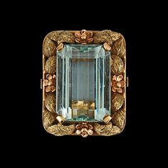 A aquamarine, circa 23.00 cts, ring. 18K gold. Size 17.25/53.5. Possible maker H. Stern.. - Vintage & Jewellery, Stockholm S202 – Bukowskis
