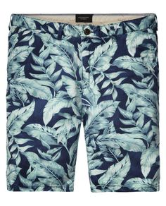 Shop men's shorts styles at Scotch & Soda. From chino shorts to denim and patterned shorts, find your ideal style today Bermuda Shorts Outfit, Chino Shorts, Men's Shorts, Latest Outfits, Short Outfits, Cool Outfits, Printed Shorts, Patterned Shorts, Streetwear Shorts