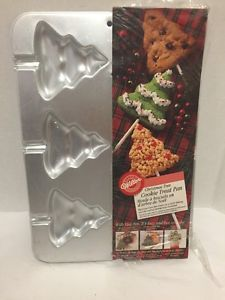 Wilton-Christmas-Tree-Cookie-Treat-Pan-Lollipops-Makes-6-2105-8101