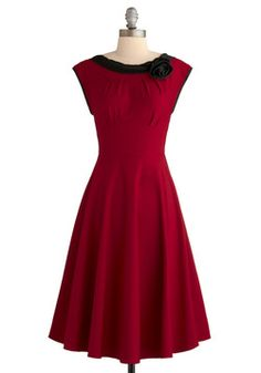 vintage flair dress. so lovely! I would totally wear this at Christmas. <3