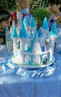 Pastel de castillo de la cenicienta
