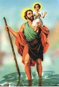 """Conheça a história de São Cristóvão No dia 25 de Julho é comemorado o dia do padroeiro dos motoristas e viajantes, São Cristovão. Mas você sabe porque ele tem esse título? O nome Cristovão não é o seu nome de batismo e carrega o significado de """"condutor de Cristo"""" além de também representar uma das devoções mais populares e antigas da Igreja Católica e do Brasil. História Seu verdadeiro nome era Réprobo e pouco se sabe sobre a sua origem. Diz-se que ele era um homem muito alto, forte, da…"""