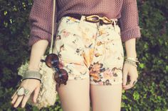 I love floral designs a lot! And these cute floral shorts really are very very cute! Cute Fashion, Retro Fashion, Vintage Fashion, Vintage Style, Women's Fashion, Fashion Ideas, Fashion Inspiration, Fashion Night, Indie Fashion