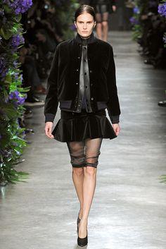 Givenchy Fall 2011 Ready-to-Wear Fashion Show - Alla Kostromichova (Marilyn)