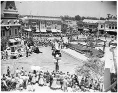 Pictures of Disneyland in Opening Day, July 1955 ~ vintage everyday Disneyland Opening Day, Art Linkletter, Buddy Ebsen, Sleeping Beauty Castle, Vintage Disneyland, Vintage Pictures, Vintage Images, July 17, Walt Disney