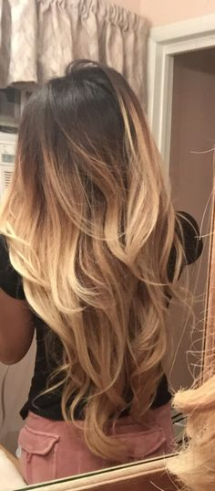 Balayage is a hair color technique that is dye latest trends to gain international popularity from French. Balayage Hair Color create soft colors, natural-looking highlights which look more modern…More Hair Color Caramel, Business Hairstyles, Great Hair, Amazing Hair, Hair Looks, Hair Trends, New Hair, Hair Inspiration, Hair Cuts