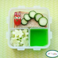 The Very Hungry Caterpillar Bento {Edible Crafts for Preschoolers}    Your very hungry preschooler will eat up this Very Hungry Caterpillar themed lunch.  A great way to incorporate lost of fun veggies in their lunchbox, the caterpillar and leaves are all nutritious and delicious.