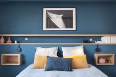 Bedroom decoration: 70 photos to create a bedroom that looks like me – Inspiration déco, par Côté Maison – einrichtungsideen wohnzimmer Room, Interior, Master Decor, Elegant Living Room, Home Decor, Home Deco, Room Colors, Bedroom Decor, Rustic Bedroom Design