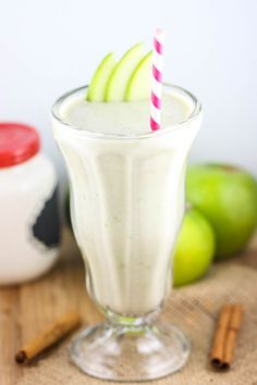 Apple Pie Milkshakes makes 1 shake Ingredients: 1 small granny smith apple, sliced 1 frozen banana 1/4 cup Greek yogurt 3/4 cup milk squirt of agave nectar pinch each of cinnamon, nutmeg and cloves Directions: Blend everything up and drink immediately! Time: 5 minutes