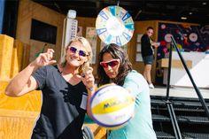 Sorriso no rosto é marca registrada de Simone Sittig e Luciana Pierangeli. Beach Volleyball, Swatch, Athlete, Twitter, Style, Fashion, Smile Face, Beach, Dreams
