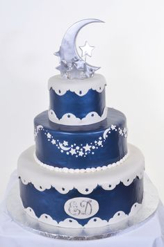 wedding cakes with moon and stars | W590 – Moon & Stars | Pastry Palace Las Vegas Cakes