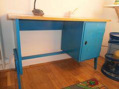 The Feverish Feltist: Redecorating / upcycling old desk for kids Old School Desks, Old Desks, Upcycled Furniture, My Room, Corner Desk, Kids, Home Decor, Repurpose, Corner Table
