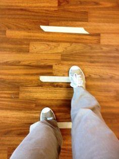 PARKINSON hastaları dışarıdan gelecek görsel ve sözel ip uçları ile yürümeyi kolaylaştırabilirler.  http://pinterest.com/sostherapy.