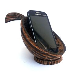 Kavin Coconut Shell Crafts – Mobile Phone Stand
