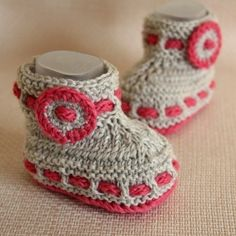 INSTANT DOWNLOAD - Knitting Pattern (PDF file) Grey Baby Booties (0-6/6-12 months)