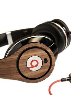 Monster Beats By Dr Dre | http://www.flixya.com/blog/5595826/Monster-Beats-By-Dr-Dre