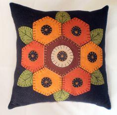 Oley Valley Primitives Wool Applique GRANDMOTHER'S GARDEN Penny Rug Pillow…