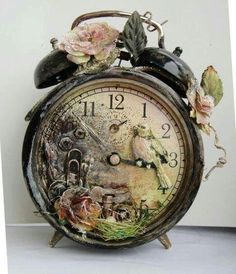 Altered vintage alarmclock.