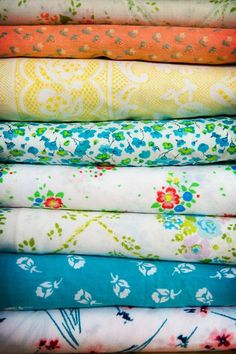 vintage linens... wow, I can't believe this but I have the third from the bottom... bought it at Design Archives a couple of years ago!
