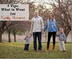 5 Tips for What to Wear for Family Pictures- Fashion Contributor - Sugar Bee Crafts