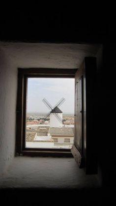 CMM busca el pueblo más bonito de Castilla-La Mancha del año 2017 City Maps, Le Moulin, Windmills, Dragon, Skyline, Windows, Traditional, Country, Don Quixote