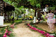 #Casamento na #praia. Michelle e Thiago #Trancoso - Bahia #decoração #Floral #eventos #caminhodeflores #wedding #bohemian