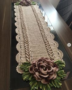 Love in every detail. Orders by Direct or WhatsApp . Crochet Doily Rug, Crochet Tablecloth, Crochet Home, Crochet Flowers, Knit Crochet, Crochet Table Topper, Crochet Table Runner Pattern, Crochet Square Patterns, Doily Patterns