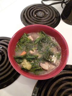 steaming bowl of veggies and greens! Paleo Autoimmune Protocol, Miso Soup, Alkaline Foods, Food Items, Palak Paneer, Soups, Main Dishes, Healthy Lifestyle, Veggies